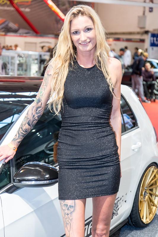 Essen Motor Show 2017: mit einem Transformer auf dem Stand von Osram in Halle 2.