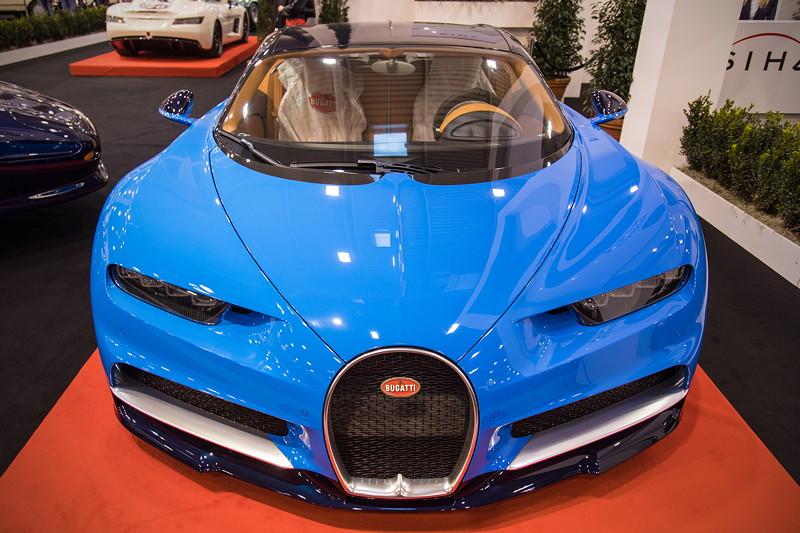 Bugatti Chiron, 16-Zylinder W-Motor, 1.500 PS, vmax: 420 km/h. Essen Motor Show 2017.