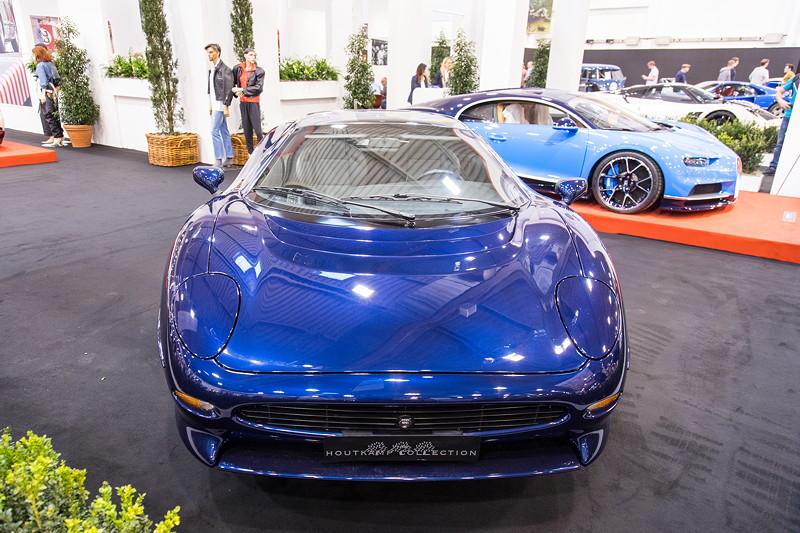 Jaguar XJ 200, V6 Biturbo-Motor, 549 PS, vmax: 342 km/h.