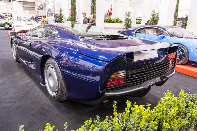 Jaguar XJ 220, von 1992 bis 1994 in einer Auflage von 275 Exemplaren gebaut.