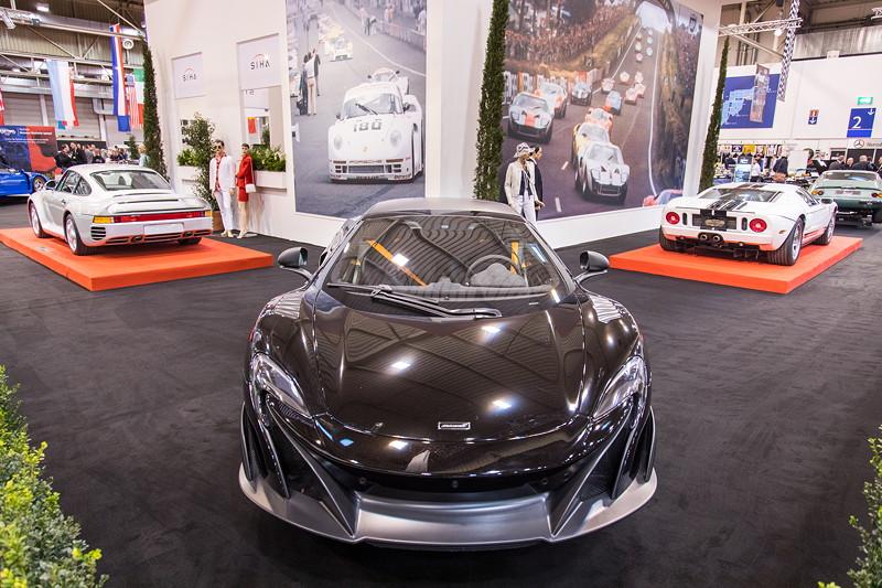 McLaren 675 LT, V8 Biturbo Motor, 675 PS, vmax: 330 km/h.