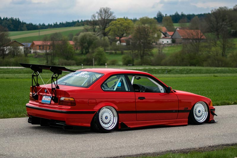 BMW 328i (E36)