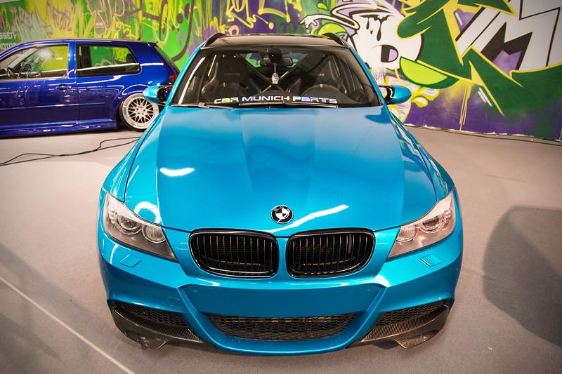 BMW 335i Touring (E91), Umbau auf Facelift (Motorhaube, Stoßstange vorne und hinten, Dachreling, Rückfahrleuchten und Scheinwerfer)