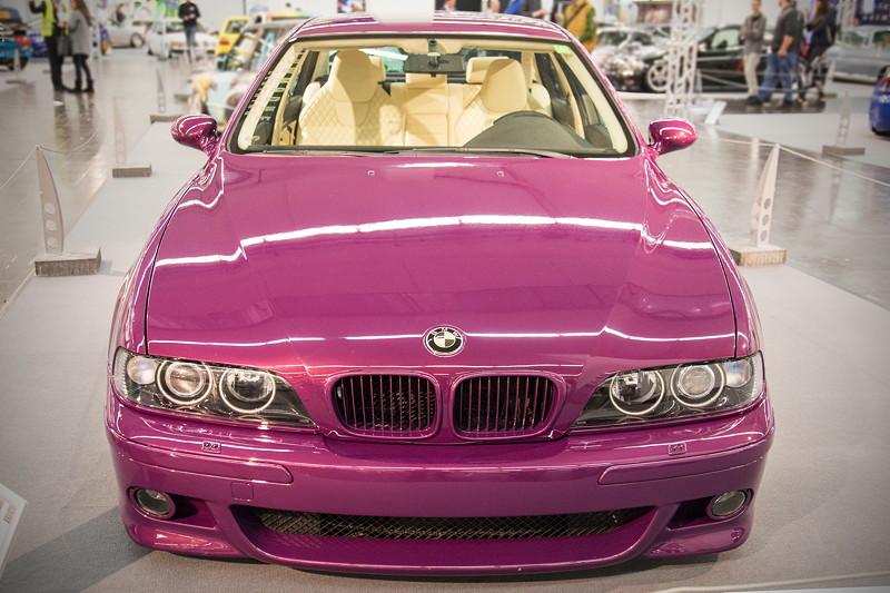 BMW 520i (E39), kompletter Umbau der Front- und Heckpartie auf M-Paket, inkl. BMW Nieren vom Facelift.