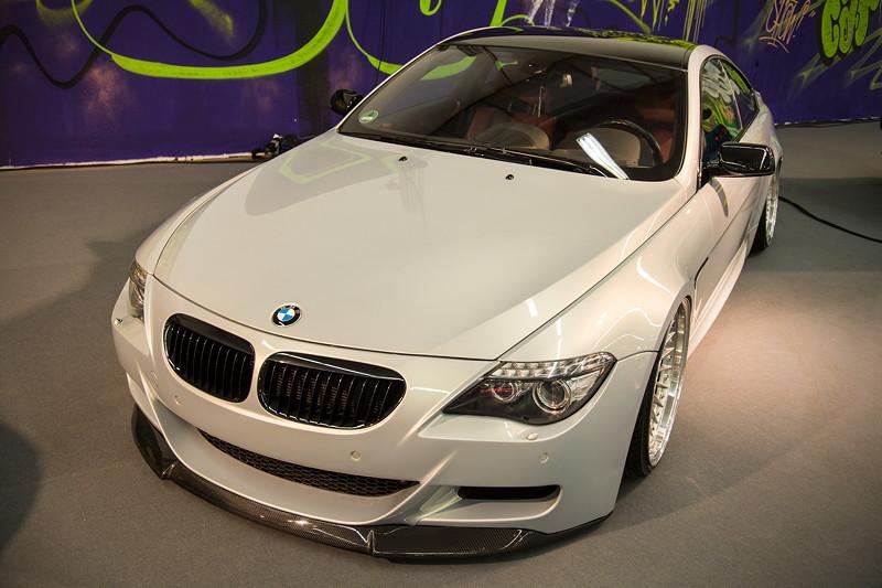 BMW 650i (E63 LCI) mit zusätzlichem Carbon Spoiler an der Front, AC Schnitzer Auspuffblenden.