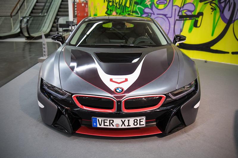 Optisch modifizierter BMW i8 in der tuningXperience, Essen Motor Show 2017.