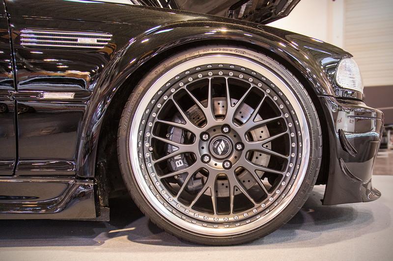 BMW M3 (E46) auf mehrteiligen Works 'VS-XX' Felgen in 9j x 20 Zoll vorne und 11J x 20 Zoll hinten.