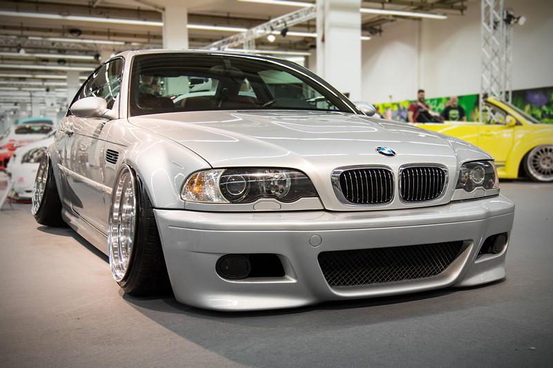 BMW M3 mit orig. Karosserie, 6° Sturz an der Vorder- und 13° Sturz an der Hinterachse.