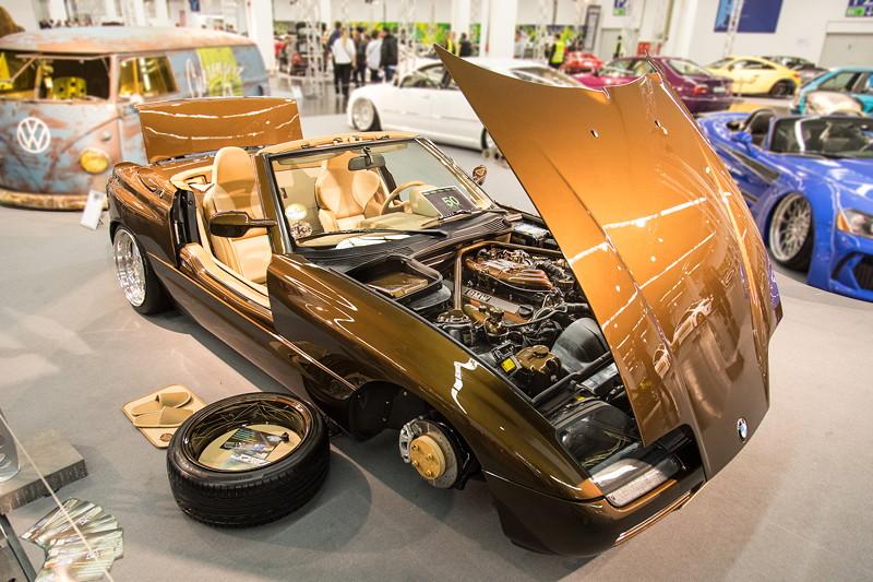 BMW Z1, Karosserie wurde innen und aussen komplett restauriert.