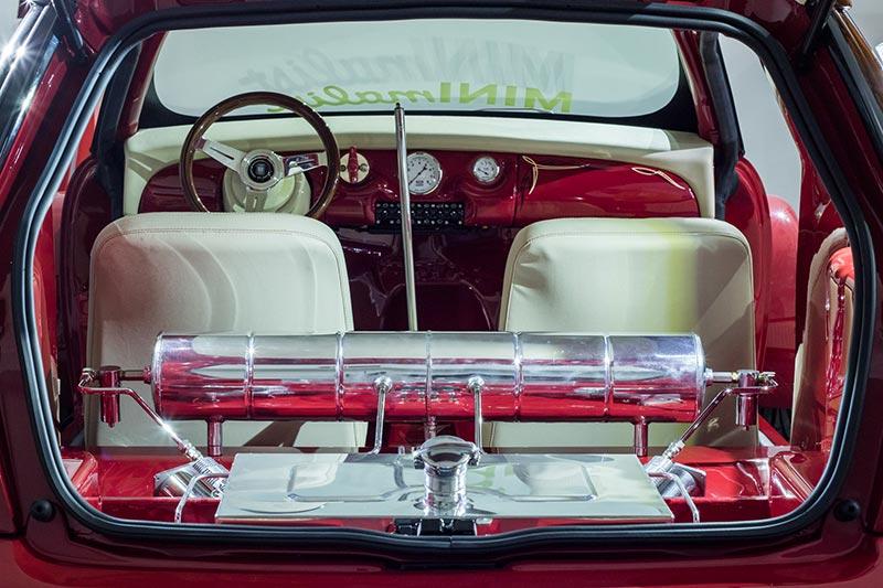 MINI Cooper Hot Rod, Innenraum im Style des 1965er Mini