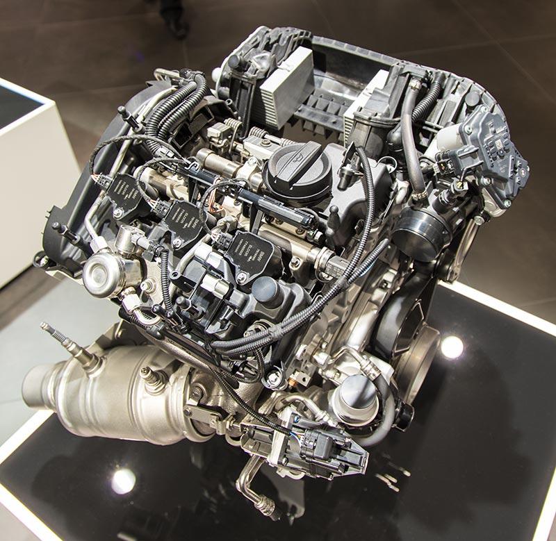 BMW TwinPower Turbo Drei-Zylindermotor, angeboten in Ausbaustufen von 102 bis 231 PS