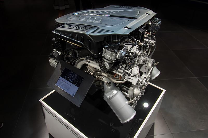 BMW M Performance TwinPower Turbo V12 Benzinmotor, kommt im BMW M760Li zum Einsatz und leistet 610 PS und 800 Nm