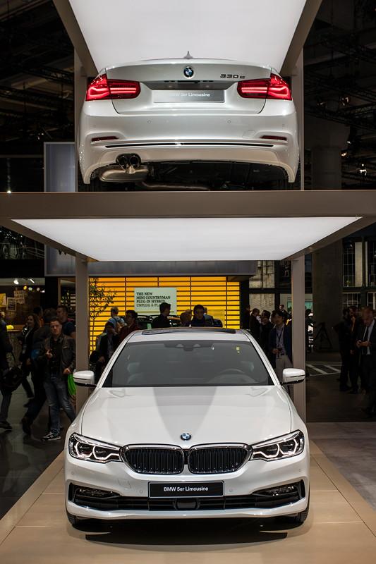 BMW 330e und BMW 530e iPerformance auf der IAA