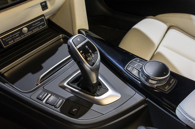 Alpina D3 Bi-Turbo Allrad Touring, Mittelkonsole mit Schalthebel und iDrive Controller