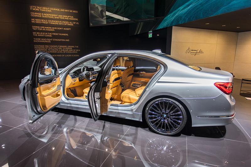 BMW 730d Modell M Sport Individual, ausgestellt auf der IAA 2017