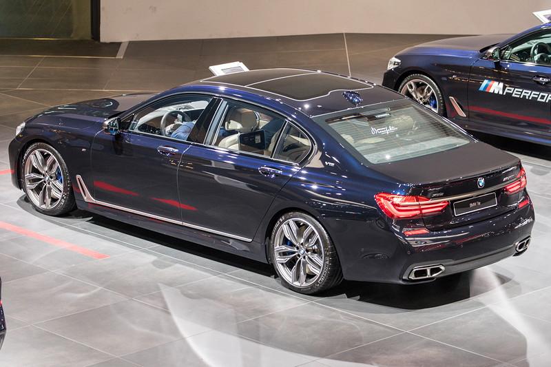 BMW M760Li Individual zum Gesamtpreis von 202.550,- Euro, ausgestellt auf der IAA 2017