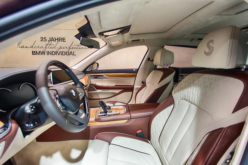 BMW M 760 Li Individual Inspired by Nautor's Swan, Innenraum vorne.