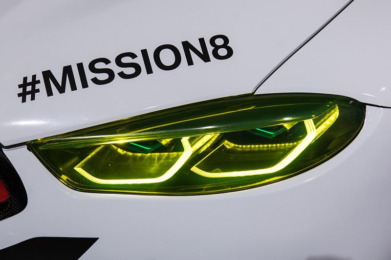 BMW M8 GTE, Scheinwerfer