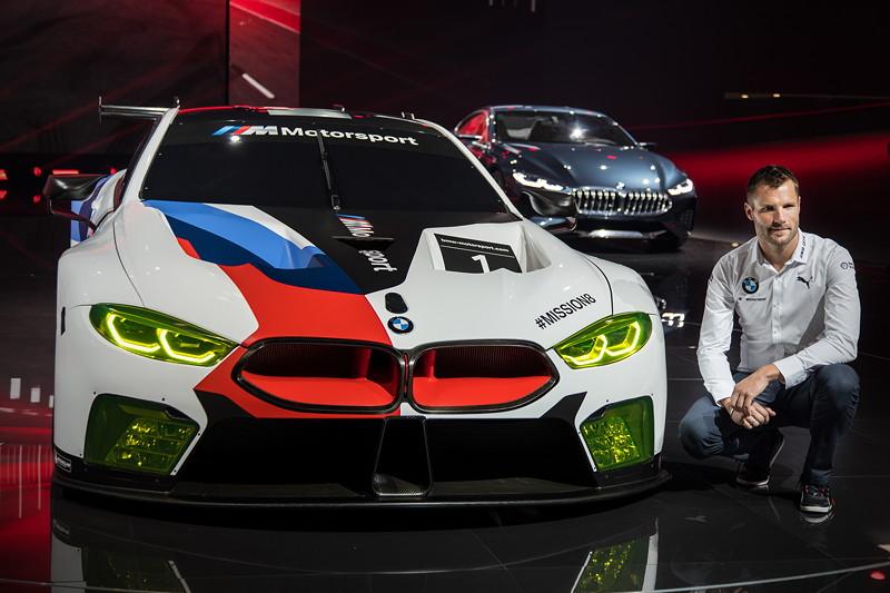 BMW-Werksfahrer Martin Tomczyk berichtete auf der IAA von seinen ersten Erfahrungen mit dem neuen BMW M8 GTE.