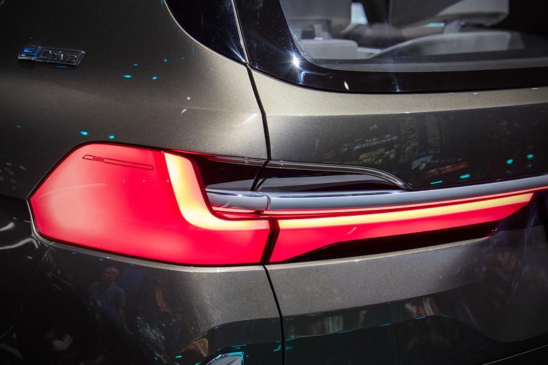 BMW Concept X7 iPerformance, LED Rücklicht
