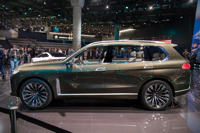BMW Concept X7 iPerformance auf der IAA 2017 mit dem größtem Innenraum aller BMWs