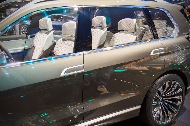BMW Concept X7 iPerformance, mit Einzelsitzen im Innenraum