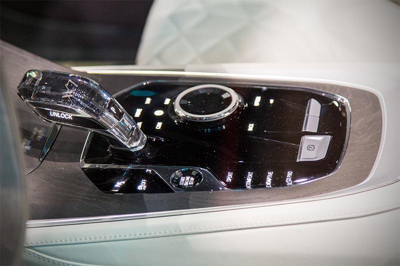 BMW Concept X7 iPerformance, Mittelkonsole