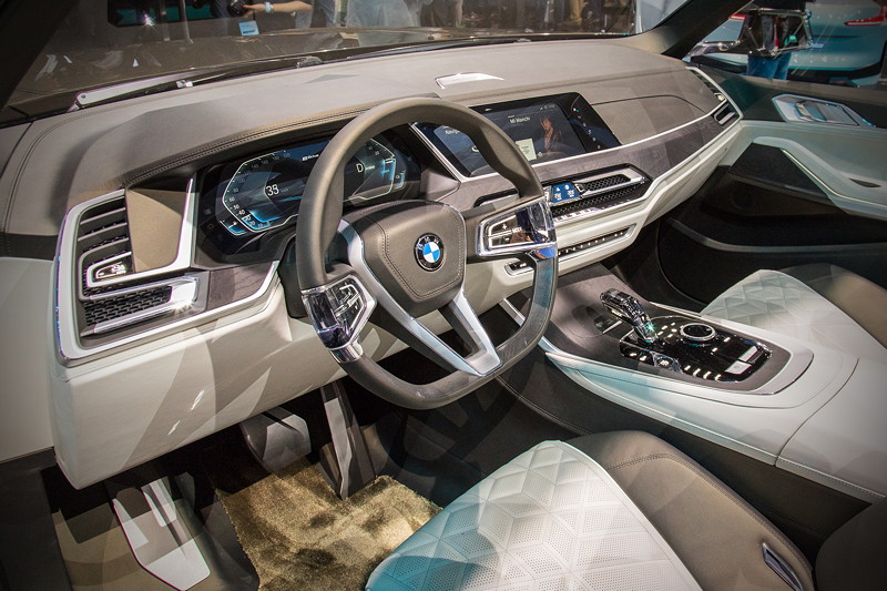 BMW Concept X7 iPerformance, Cockpit
