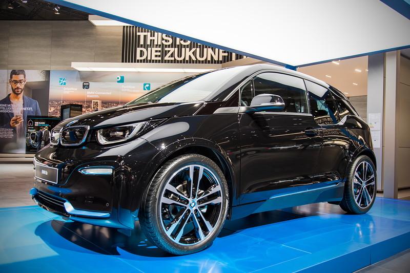 BMW i3s, der erste rein-elektrisch angetriebene Serien-BMW geht in seine zweite Dekade (Facelift)