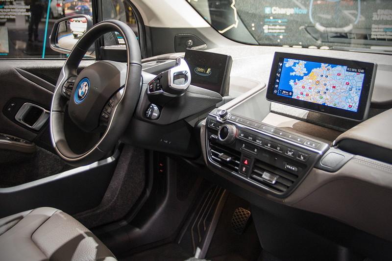 BMW i3s, Cockpit