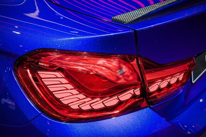 BMW M4 CS mit OLED Rückleuchten