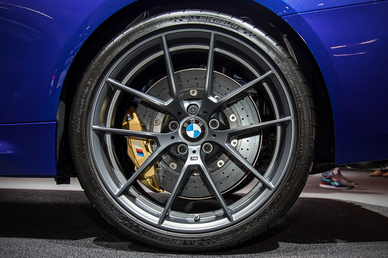 BMW M4 CS auf 20 Zoll Felge mit 285/30 R 20 Bereifung