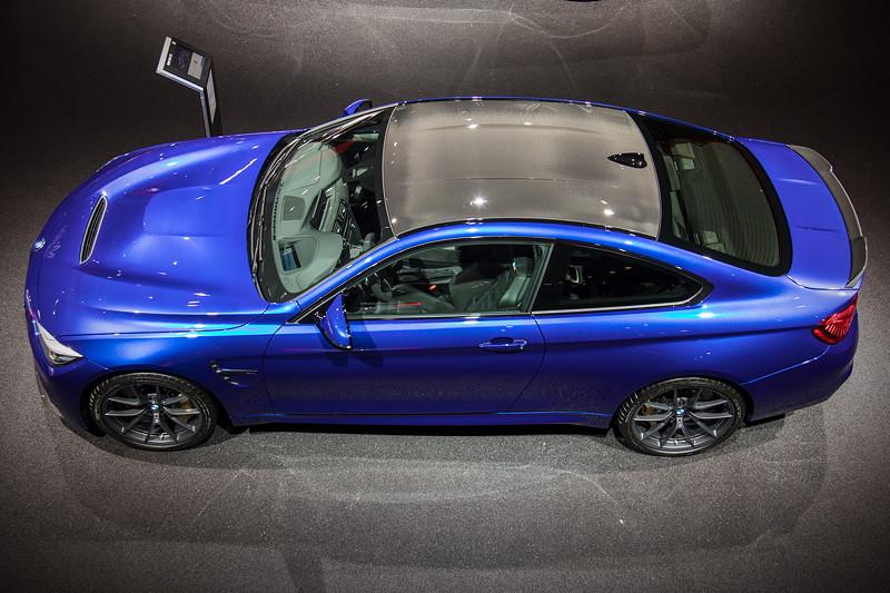 BMW M4 CS mit Carbondach, ausgestellt auf der IAA 2017