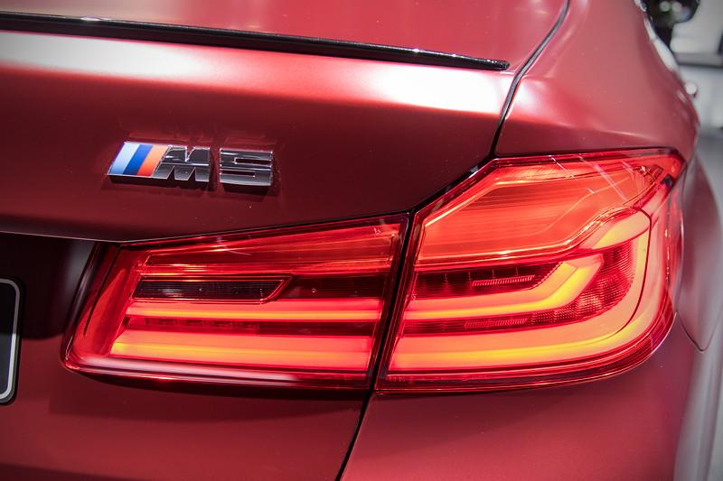 BMW M5 First Edition, Typ-Bezeichnung auf der Heckklappe