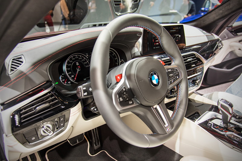 BMW M5 First Edition, Cockpit