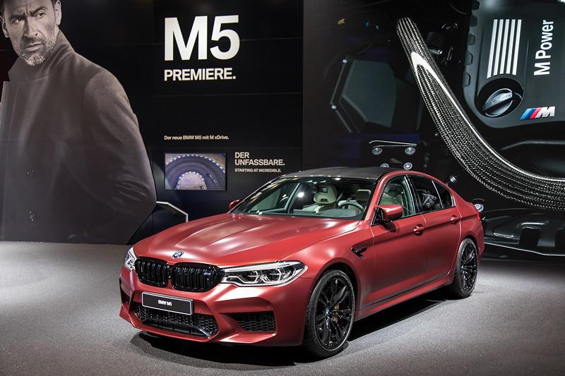BMW M5 First Edition, limitierte Auflage von 400 Stück, alle in Frozen Dark Red Metallic lackiert