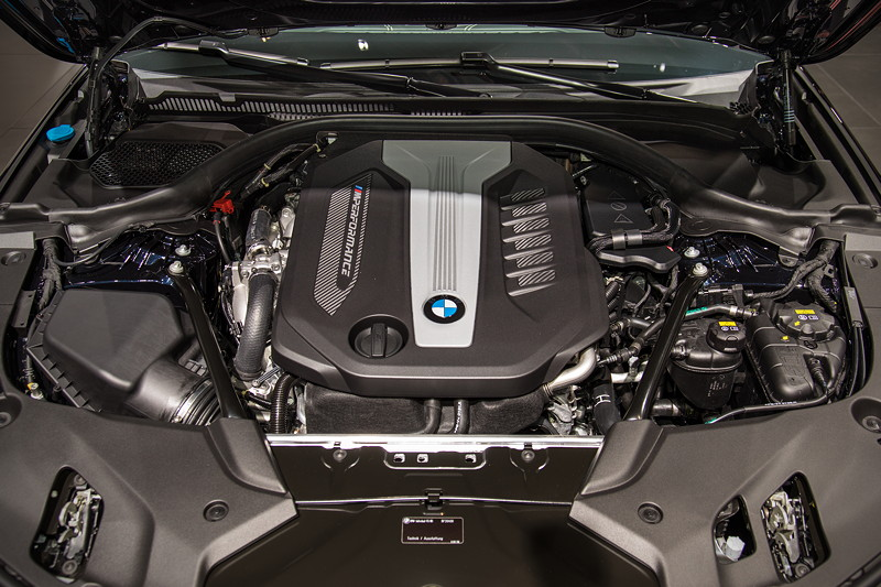 BMW M550d Touring, 6-Zylinder Quad-Turbo-Motor mit 400 PS
