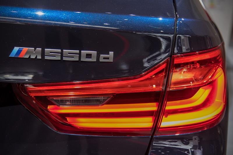BMW M550d Touring, Typ-Schriftzug auf der Heckklappe