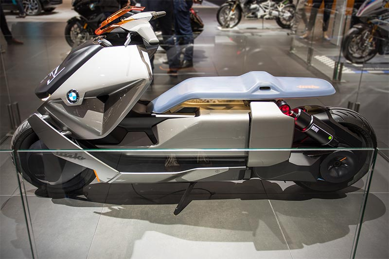 BMW Motorrad Concept Link, niedriger Fahrzeugkörper, flacher Sitz