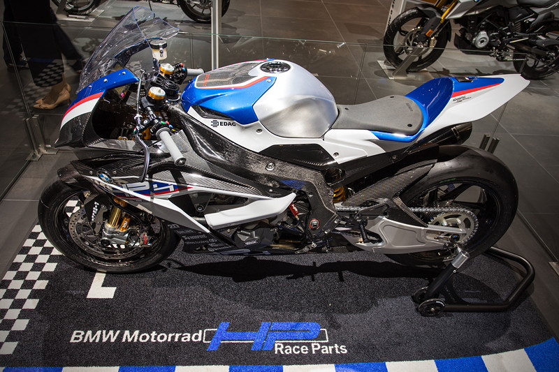 BMW Motorrad HP4 Race, das Renn-Motorrad hat 215 PS, es wird in Kleinserie von 750 Exemplaren gebaut
