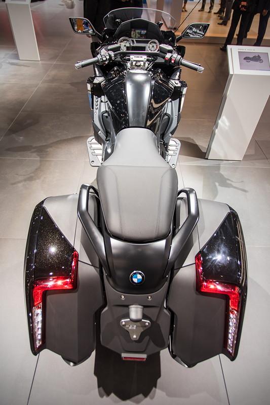 BMW Motorrad K 1600 B, Seitenkoffer mit neu konzipierter Aufteilung