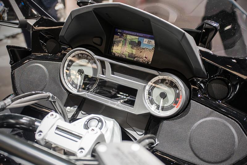BMW Motorrad K 1600 B, Cockpit mit Tacho und Navigationssystem
