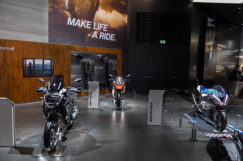 BMW Motorrad Ausstellung auf der IAA in Frankfurt