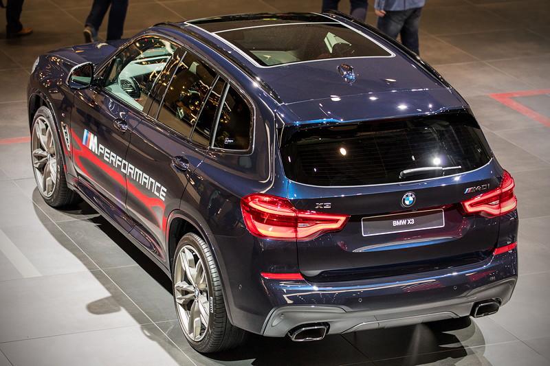 BMW X3 xDrive M40i mit Panorama Glasdach (1.500,- Euro Aufpreis)