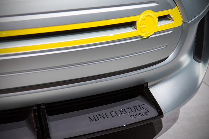 MINI Electric Concept, Frontspoiler mit Modell-Schriftzug