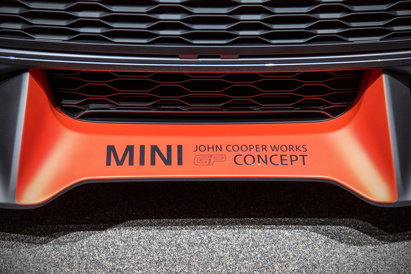 MINI John Cooper Works GP Concept, Frontspoiler mit Modell-Schriftzug