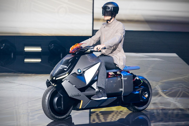 BMW Motorradstudie Concept Link bei der BMW Group Pressekonferenz, IAA 2017.