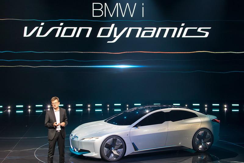 Klaus Fröhlich, Entwicklungsvorstand bei BMW, präsentiere den BMW i Vision Dynamics
