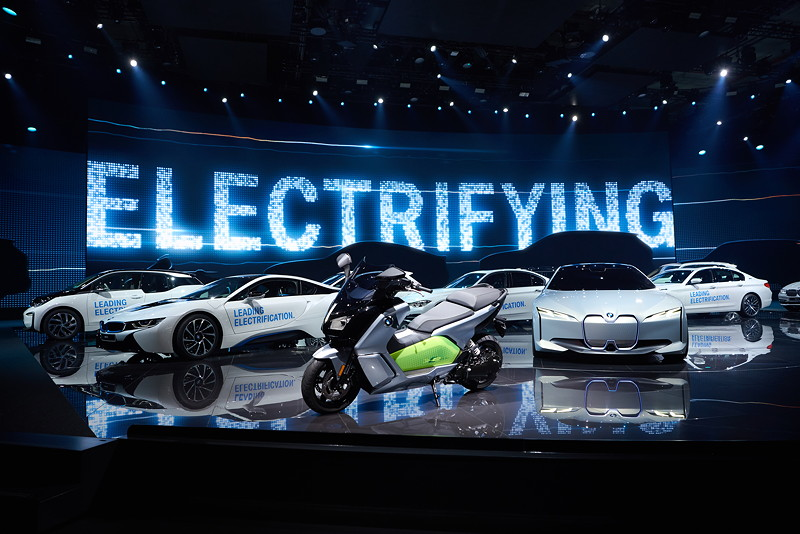Elektrifizierte BMW-Fahrzeuge bei der BMW Group Pressekonferenz, IAA 2017.