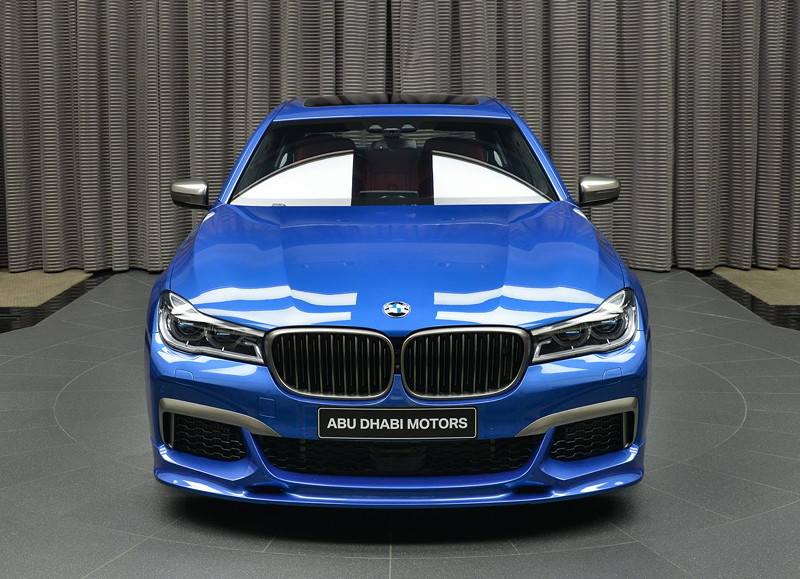 BMW M760Li in Estoril-Blau mit 3D Design Frontspoiler
